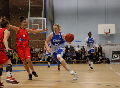 Match Report - Women lose close encounter to unbeaten Solent