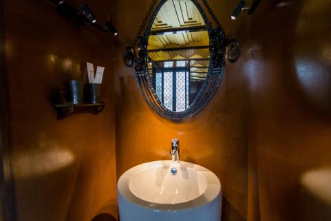 Vienna bathroom.jpg