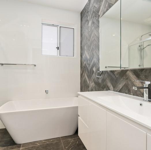 Auburn Bathroom