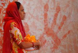 OrangeWoman_India3_0391_300dpi.jpg