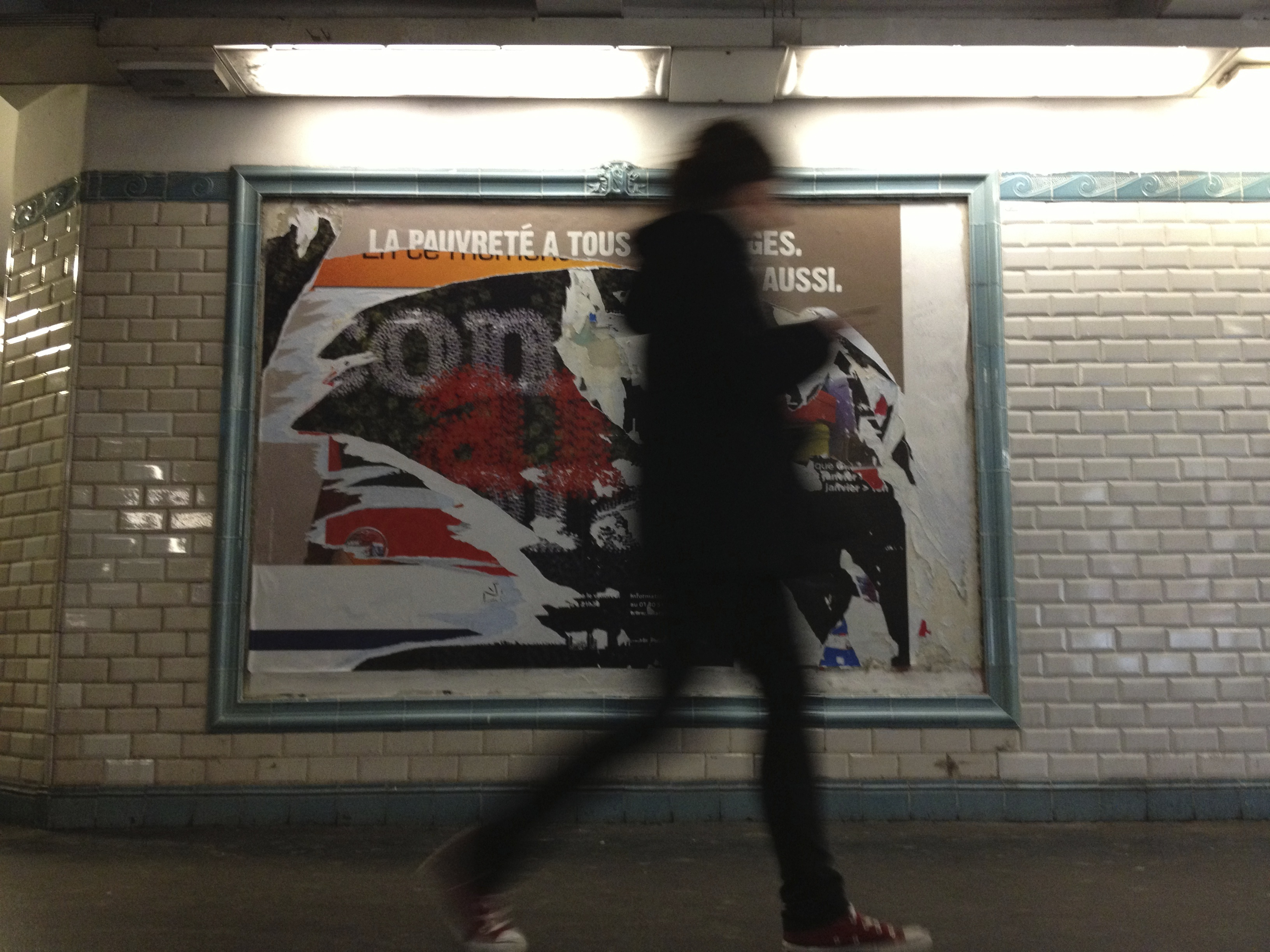 Paris_billboard+Blur_person_IMG_1562.jpg
