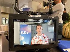 """Das Foto zeigt ein Monitorbild von TV Reporter Eric Mayer bei den Dreharbeiten zur PUR+Sendung """"Lecker oder igitt?""""."""