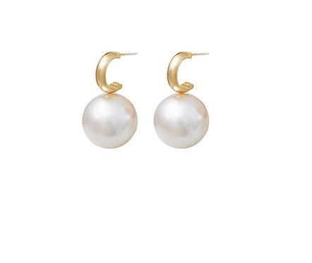 MADALENA SARARA 18K Gold C Style Saltwater Pearl Women Earring Akoya Pearl Round