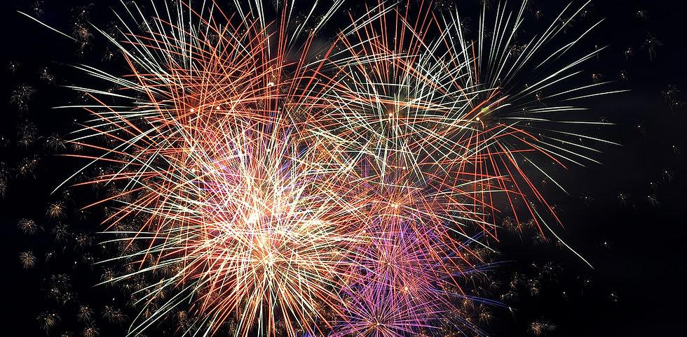 fireworks-4714329_1920.jpg