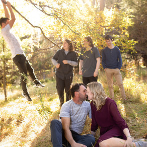 Family photoshoot with teenagers