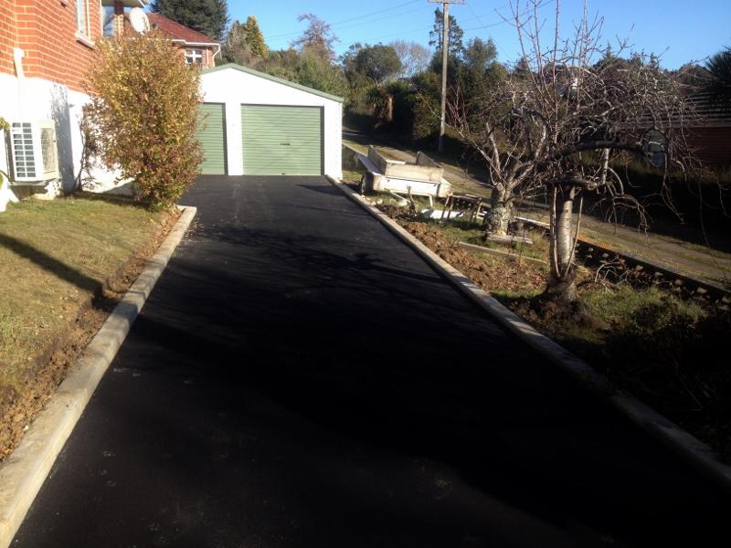 Asphalt driveway in Dunedin