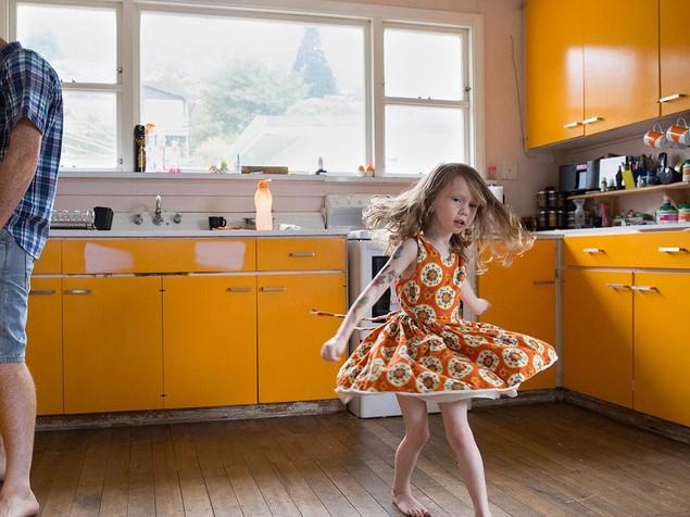 Lifestyle family photography by Dunedin photographer Edith Leigh