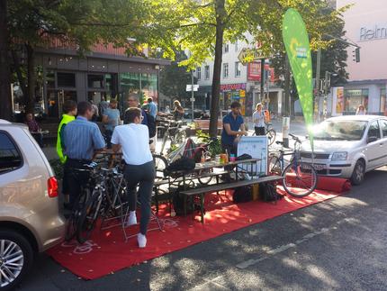 Parking Day in Pankow und Rad-Reparaturen für Umme