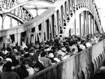 09.11.2020 - ab 20:00 live auf der Bösebrücke zum Jahrestag des Mauerfalls