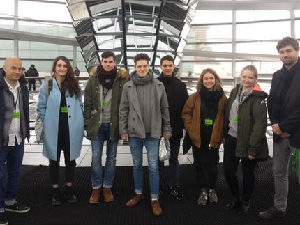 Schüler*innen des Robert-Havemann-Gymnasiums zu Besuch im Bundestag