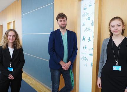 Schülerinnen zu Besuch im Bundestag - viel Programm trotz Corona