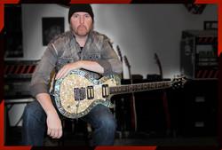Guitarslinger & Pearl in the studio