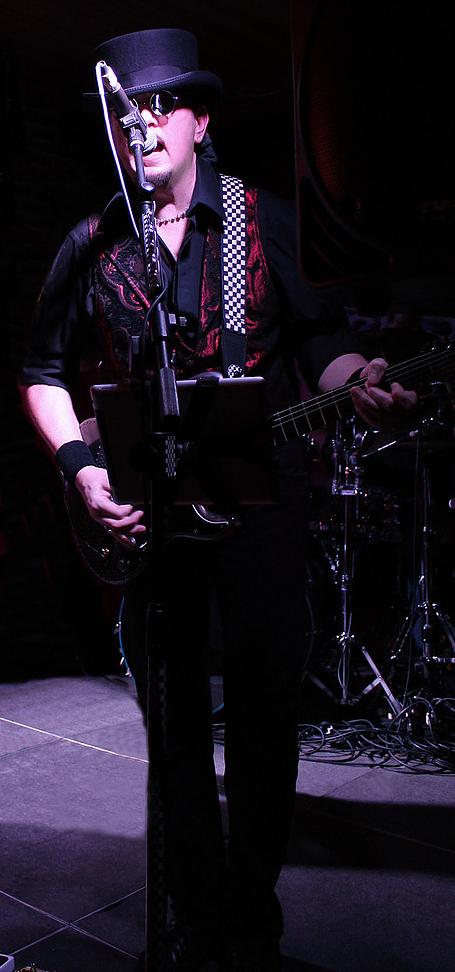 Guitarslinger live