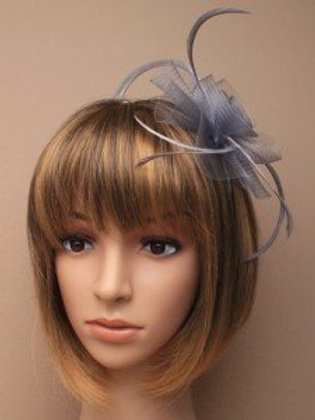 5875.  Silver grey centre net flower and feather fascinator
