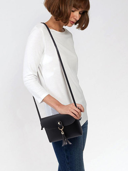 LS00597.  Flap Cross Body Tassel Shoulder Bag