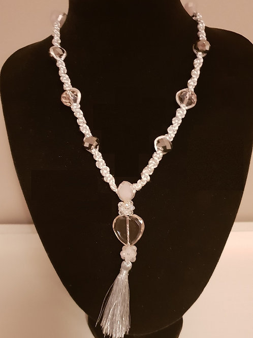 Beautiful Crystal necklace and pendant.