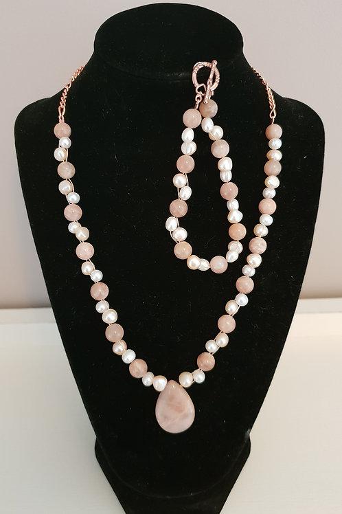 Cultured Pearl & Sunstone necklace & bracelet set