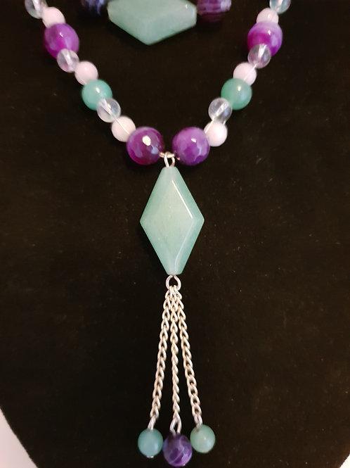 Agate & Crystal beaded, diamond shaped pendant necklace & bracelet set