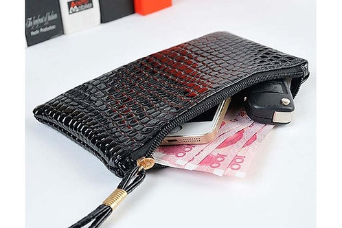 CCH.  Women Crocodile Clutch/purse