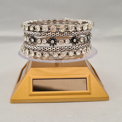 Vintage style Diamontie, flower detailed silver plated 5 piece Bangle set