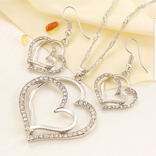 RAPRINCESS.  Heart crystal Necklace and Earring set