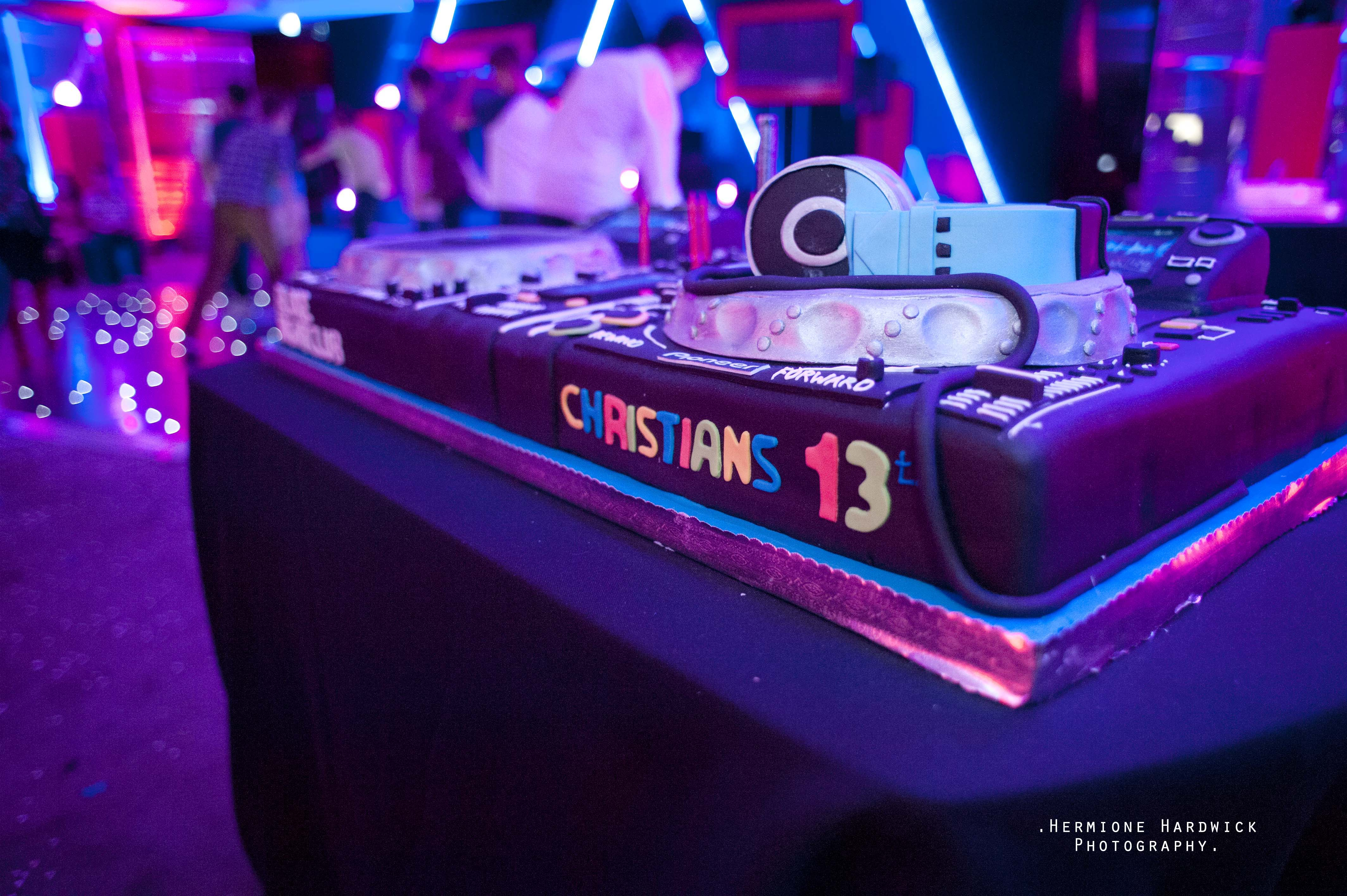 DJ Party cake DJ Hire