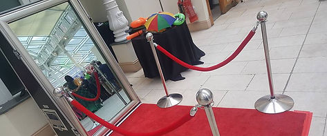 Photobooth Hire | Photo Booth | Magic Mirror | Selfie Booth