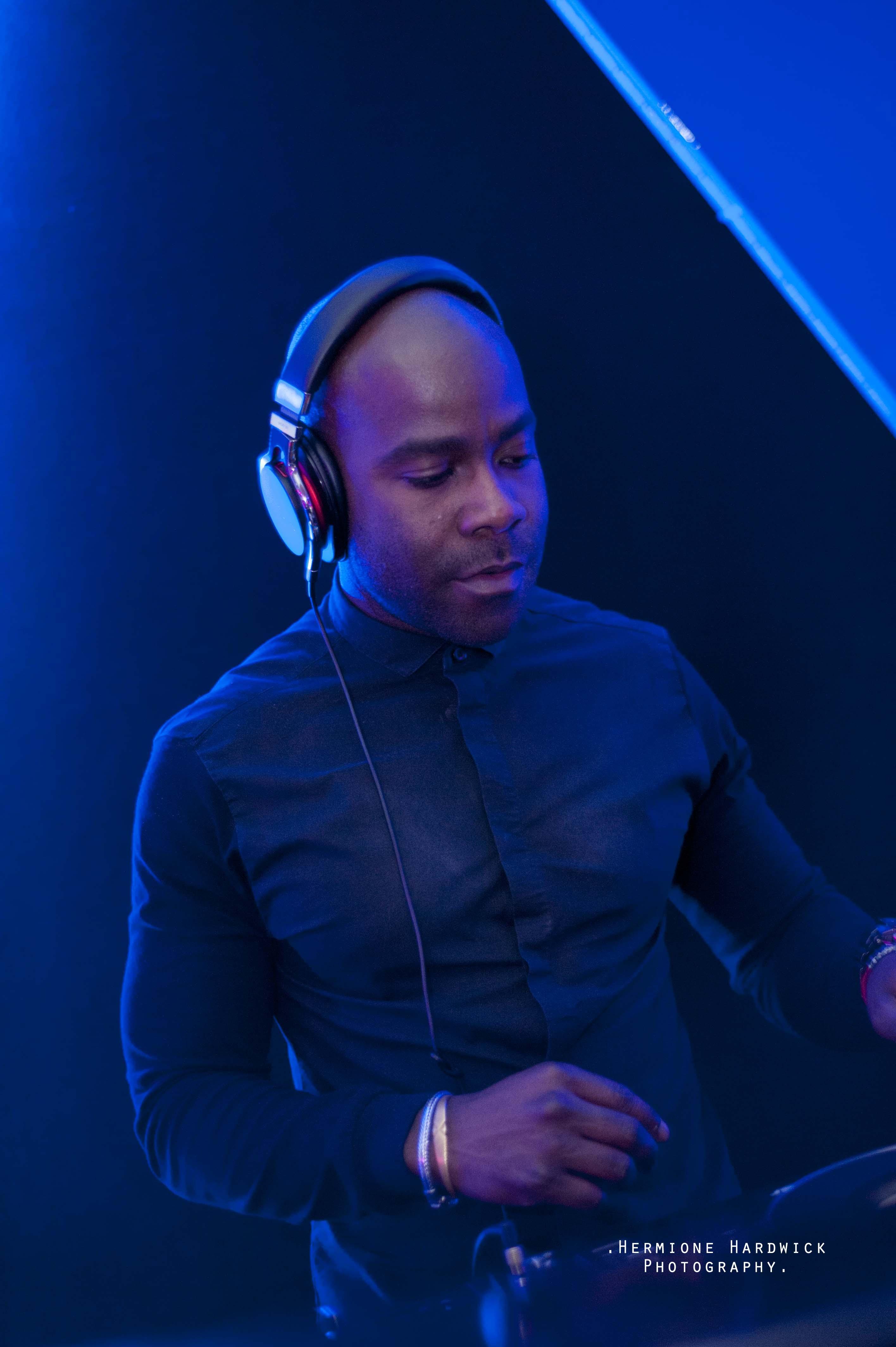 Kiss Fm DJ Melvin