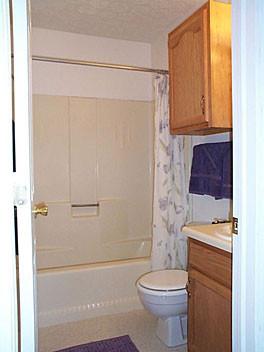 Windsor Place 1Bed Bathroom