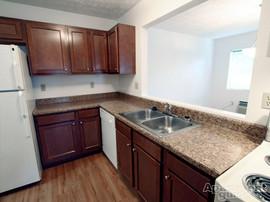 Cedarbrook 2Bedroom Kitchen