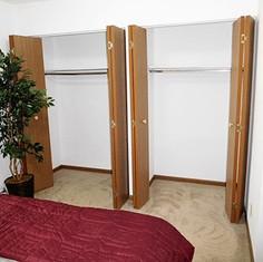 Mogadore Bedroom Closet