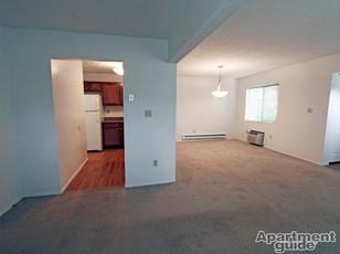 Cedarbrook 2Bedroom Livingroom
