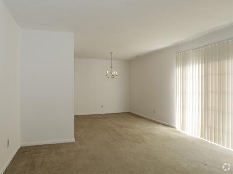 Windsor Place 2Bed Livingroom