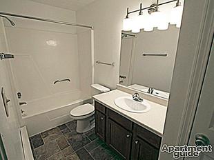 Cedarbrook 1Bed Bathroom