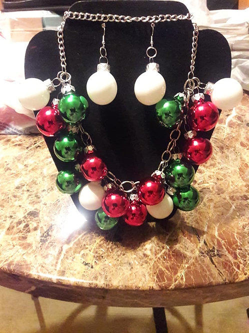 Holiday Necklace Set