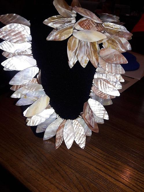 Leaf necklace and leaf set