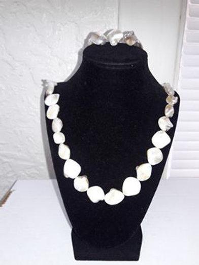 Tan Small Shell Necklace & Bracelet Set