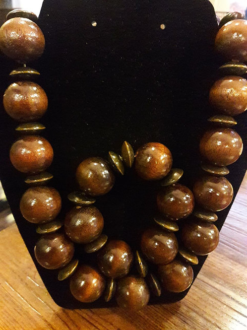 Classic Wooden Necklace Set