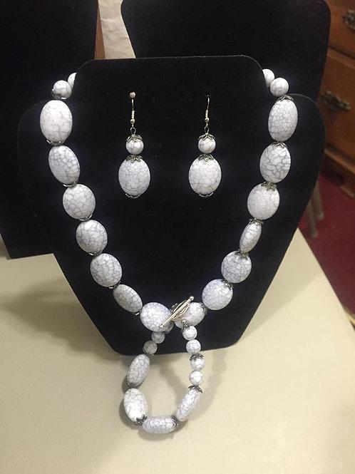 Soft Gray/White Necklace & Bracelet Set