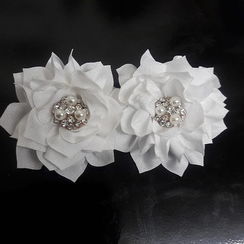 Shoe Elegance Flower with Silver & Pearl Center Piece