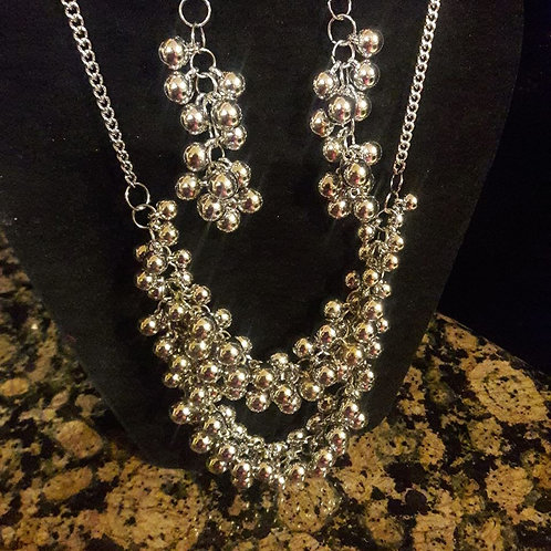 Silver Ball Cluster Necklace Set