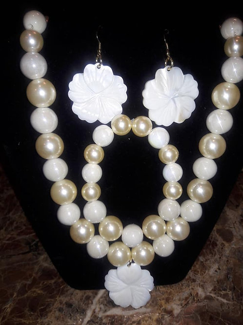 Gold-n-White Clover Set