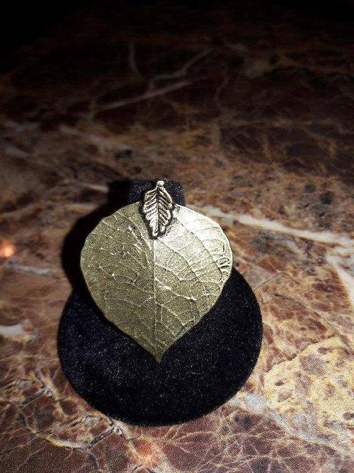 Elegant Accessories Leaf Style Ring