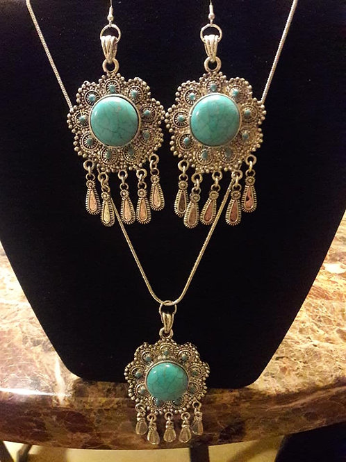 16inch Silver and Turquoise chain and earring set!!