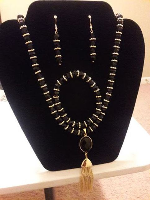 New Black and Gold Pendant 3 piece Elegant Accessories set