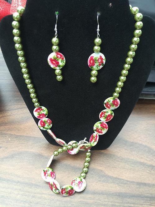 Green & Rose Style Necklace & Bracelet Set