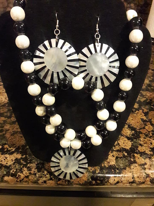 Black and White Star Neck Lace