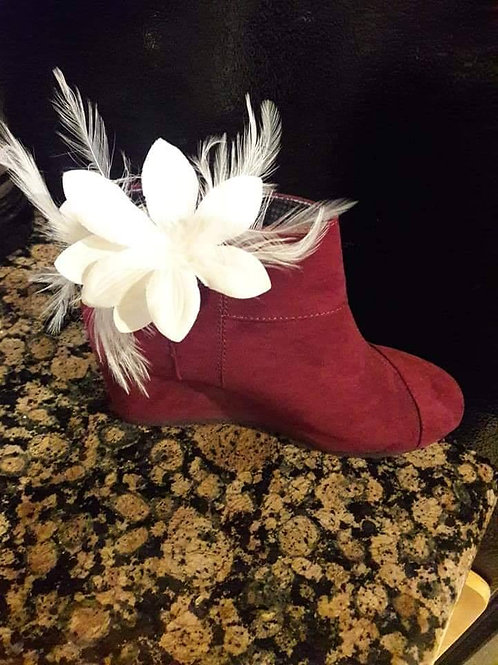 White flower Feather Shoe Ornament