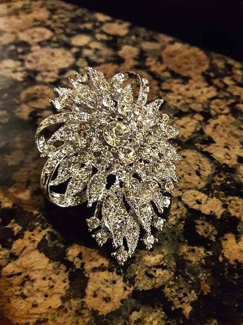 Royal Sparkling Style Ring
