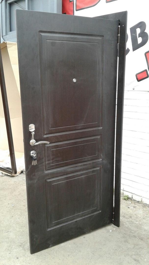 двери на коммуне